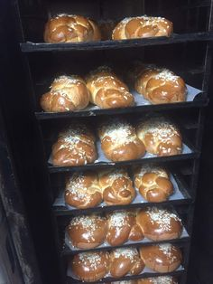 Hot Dog Buns, Hot Dogs, Happy Easter, Bread, Food, Happy Easter Day, Breads, Baking, Meals