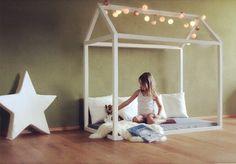 ♥ ZAUBERHAUS ♥ Kinderbett.Himmelbett & Spielhaus ❣  zum Spielen, Verstecken, Träumen und Schlafen   ein Haus in WEISS    Dieses KINDERSPIELHAUS passt sehr gut in die Fantasiewelt von Kindern und regt zum...