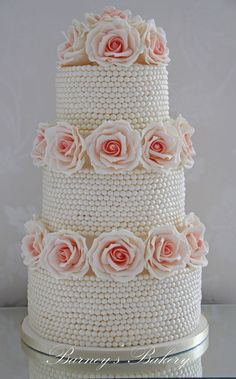Vintage Pearls Wedding Cake.  I thought I would hate the sight of pearls after this cake, but I love them even more!