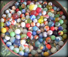 Over 350 Antique and Vintage Glass Marbles di MerrilyVerilyVintage