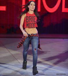 Brie Bella Monday Night Raw 09/22/14
