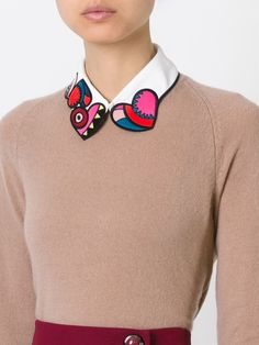 Red Valentino Embroidered Heart Collar in Multicolor (WHITE) Fashion Details, Diy Fashion, Ideias Fashion, Fashion Outfits, Womens Fashion, Fashion Design, Diy Vetement, Looks Street Style, Collar Designs