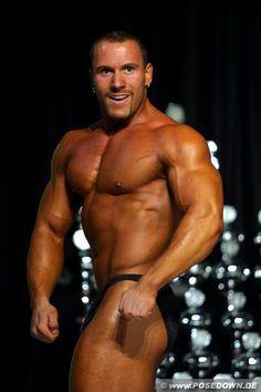 Steve Benthin (German Bodybuilder / Posedown 2003)