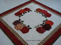 Sobre toalha de maçãs | Presente para a profª Raquel Projeto… | Flickr