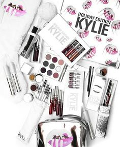 Unless you've been living in a cellar for the past ten years, Kylie Jenner is the most vibrant name in the world of make up. At just 20 years old, this famous socialite and influencer has become the world's own… Read More Case Study : Kylie Cosmetics Kylie Makeup, Makeup Goals, Love Makeup, Makeup Tips, Beauty Makeup, Kylie Jenner Makeup Products, Makeup Stuff, Maquillage Kylie Jenner, Kylie Jenner Lipstick