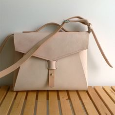plum bag · 100% leather http://marieladias.blogspot.pt
