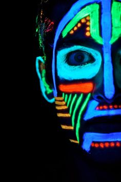 more face painting inspiration Uv Photography, Adult Face Painting, Blacklight Party, Neon Painting, Neon Party, Creatures Of The Night, Neon Glow, Maquillage Halloween, Mural Art