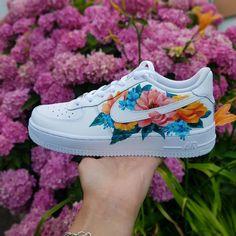 custom shoe The post 2 oder 3 Welches ist dein Lieblings appeared first on beste Schuhe. Cute Nike Shoes, Cute Sneakers, Vans Shoes, Shoes Sneakers, Nike Flower Shoes, Nike Custom Shoes, Adidas Shoes, Shoes Jordans, Custom Made Shoes