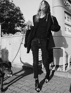 Le parfait total look noir #256 (photo Maja Wyh)