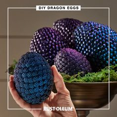 Hatch a plan for whimsical Halloween decorations with these crafty dragon eggs made with Rust-Oleum Imagine Foam Primer and Rust-Oleum Imagine Color Shift Spray Paint. Your Halloween party will be str Diy Crafts Hacks, Diy Home Crafts, Diy Arts And Crafts, Cute Crafts, Crafts To Do, Fall Crafts, Easter Crafts, Halloween Crafts, Holiday Crafts