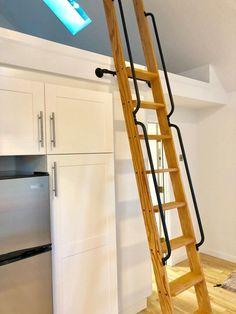 Metal Handrails, Wood Handrail, Railings, Loft Stairs, Basement Stairs, Wall Mounted Bar, Casa Loft, Library Ladder, Wood Ladder
