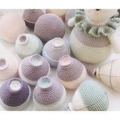Fredag står i monteringens tegn   #crochet#crochetfever#crocheting#hæklet#hækling#hæklerier#diy#kidsdecor#krea#hobby#yarn#häkeln#virkat#hekle#hekling#crochetlove#hekledilla#craft#amigurumi#amigurumis#crochetaddict#hekle#virkning#virka