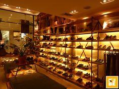 Outer Shoes store by Kube Arquitetura, Rio de Janeiro store design