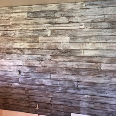 Accent Wall Colors, Bedroom Wall Colors, Shiplap Ceiling, Ceiling Decor, Wooden Wall Panels, Wall Wood, Wood Walls, Glitter Paint For Walls, Feature Wall Design