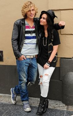 Demi Lovato & CRIS BROWN Here We Go Again Music Video Love INTEREST White skinny jeans black boots booties vest