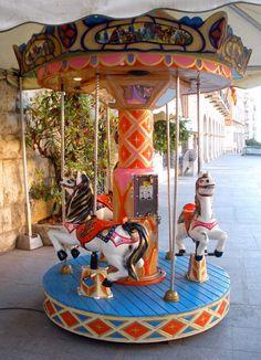 Carousel en la plaza de San Juan de Teruel, Spain