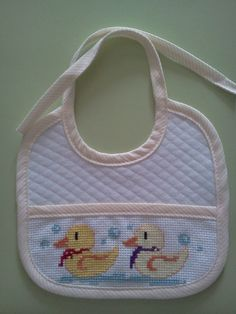 Cross Stitch For Kids, Cross Stitch Baby, Cross Stitch Flowers, Cross Stitch Designs, Cross Stitch Patterns, Hobbies And Crafts, Diy And Crafts, Christmas Cross, Baby Bibs