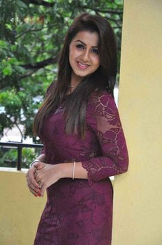 Nikki Galrani Photos [HD]: Latest Images, Pictures, Stills of Nikki Galrani - FilmiBeat South Indian Actress Hot, Most Beautiful Indian Actress, Beauty Full Girl, Indian Beauty Saree, Tamil Actress, Indian Fashion, Womens Fashion, Indian Actresses, Evening Dresses