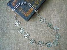 Collana catena di fiori, idea regalo donna, regalo lei, collana catena, catena fiori, collana fiori, collana metallo, collana lunga