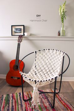 DIY Seating Ideas - DIY Macrame Hammock Chair - Creative Indoor Furniture, Chairs and Easy Seat Projects for Living Room, Bedroom, Dorm and Kids Room. Cheap Projects for those On A Budget. Diy Hammock, Hammock Chair, Diy Chair, Hammock Ideas, Hammock Stand, Hanging Chair, Bedroom Hammock, Indoor Hammock, Chaise Diy