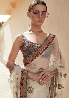 Love this white net floral Sabyasachi saree. Latest 2019 Sabyasachi Sarees includes sarees for the bride, brides mother, brides sister as well as tons of basic wedding guest appropriate saree looks. Sabhyasachi Sarees, Indian Sarees, Silk Sarees, Indian Attire, Indian Wear, Pakistani Outfits, Indian Outfits, Saree Trends, Stylish Sarees
