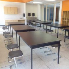 The science lab at Uplift Charter School in TX utilizes the XLT Series Table strength and accommodating size for in the Photo credit: Hertz Furniture. Science Table, Effective Learning, Student Desks, School Furniture, School Design, Photo Credit, Lab, Strength, Classroom