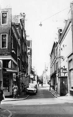 1950's. Nieuwe Leliestraat in the Jordaan in Amsterdam. #amsterdam #1950