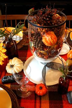 Easy autumn wedding centerpiece ideas!