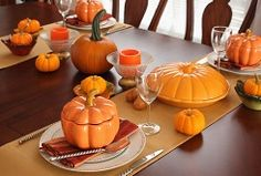 Easter, Thanksgiving and Christmas are the most common times of the year to invite the family over for a big   holiday dinner, break out the fine china and set an elaborate table spread. Did you know that there are specific   places for setting the food you've decided to serve and the dishes you're using for the meal, though?