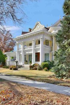 1909 Wey Mansion For Sale In Wichita Kansas — Captivating Houses Greek Revival Architecture, Victorian Architecture, Classical Architecture, Architecture Plan, Old Mansions, Mansions For Sale, Abandoned Mansions, Old Abandoned Houses, Old Houses