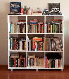 Teen Room Decor, Home Office Decor, Room Decor Bedroom, Bookshelf Organization, Bookshelf Styling, Bookshelf Inspiration, Room Inspiration, Small Room Design Bedroom, Apartment Chic