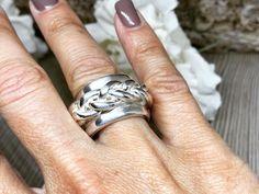 #ARTEP #artepbijoux #artepschmuck #handmade #bijoux #natursteinketten #silberschmuck #Workshop #Kurse #artclay #artclaysilver #Silver999 #silber #Ring #Anhänger #amulett #Leatherbracelet #weddingring  #artclayworkshop #artclayswiss #Silverclay #Metalclay #metalclaysilver #enamel #Feinsilber #Bronceclay #KeumBoo #Gothik #swiss Shops, Metal Clay, Rings For Men, Wedding Rings, Clay Ideas, Bracelets, Silver, Workshop, Handmade