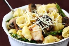 pasta with goat cheese, chicken, asparagus