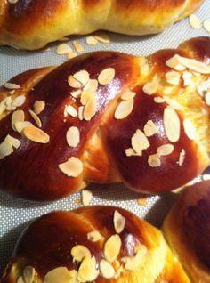 Greek Desserts, Greek Recipes, Tsoureki Recipe, Greek Cooking, Recipes From Heaven, Pavlova, Easter Recipes, Holiday Baking, Sweet Bread