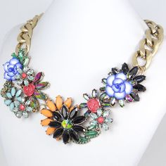 Flower statement necklace is a knock off of the one hannah wore in PLL season 4 ep 18! @Pretty Little Liars