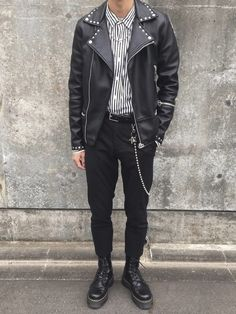 Mens Fashion Sweaters, Casual Sweaters, Dr. Martens, Clothing Photography, Minimal Fashion, Fashion Wear, Cool Outfits, Menswear, Grunge Guys