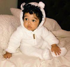 Omg this baby Cute Mixed Babies, Cute Black Babies, Beautiful Black Babies, Cute Little Baby, Pretty Baby, Beautiful Children, Little Babies, Cute Babies, Baby Kids