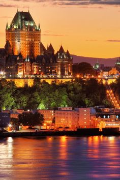 Le Chateaux Frontenac, Quebec is one of the most photographed hotels in the world, it's well worth a visit. There are a multitude of other incredible sights in Quebec, which makes it a top contender for our bucket list! #Quebec
