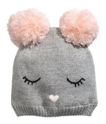 Hat in a soft, fine knit with glittery threads. Two pompoms at top and embroidered details at front. Hat in a soft, fine knit with glittery threads. Two pompoms at top and embroidered details at front. Baby Hats Knitting, Baby Knitting Patterns, Knitted Hats, Crochet Baby Boots, Knit Crochet, Crochet Hats, Baby Doll Accessories, Knitting Accessories, H&m Fashion