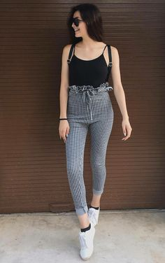 Here, we present a list of some catchy spring work outfits ideas for 2018 that will change your look and you will look more graceful Womens Fashion Casual Summer, Office Fashion Women, Black Women Fashion, Curvy Fashion, Look Fashion, Look Office, Spring Work Outfits, Summer Outfit, Moda Vintage