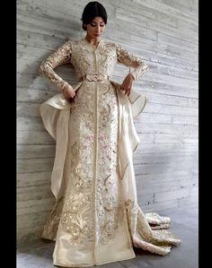 16 Ideas For Style Fashion Hijab 2018 Morrocan Dress, Moroccan Caftan, Hijab Wedding Dresses, Event Dresses, Oriental Dress, Oriental Fashion, Stunning Dresses, Nice Dresses, Bespoke
