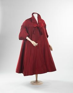 Antonio del Castillo (Spanish, Madrid 1908–1984). Evening coat, ca. 1950. The Metropolitan Museum of Art, New York. Brooklyn Museum Costume Collection at The Metropolitan Museum of Art, Gift of the Brooklyn Museum, 2009; Gift of Mr. and Mrs. Eugene Luntey in memory of Beverly Luntey, 2002 (2009.300.605a, b)