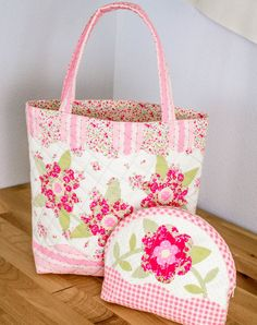 Show Off Saturday... a sweet handbag and pouch finish — SewCanShe | Free Daily Sewing Tutorials