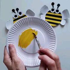 Animal Crafts For Kids, Summer Crafts For Kids, Craft Activities For Kids, Toddler Crafts, Diy For Kids, Paper Plate Art, Paper Plate Crafts, Ladybug Crafts, Bee Crafts