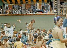 vintage everyday: Pictures of Fans at 1973 Summer Jam Rock Festival at Watkins Glen Long Car Rides, Summer Jam, Guinness Book, Allman Brothers, Watkins Glen, Rock Festivals, Isle Of Wight, Teenage Years, Grateful Dead
