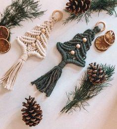 Natural Christmas Ornaments, Christmas Crafts, Christmas Decorations, Christmas Christmas, Tree Decorations, Handmade Ornaments, Handmade Decorations, Christmas Tree Pictures, Bohemian Christmas