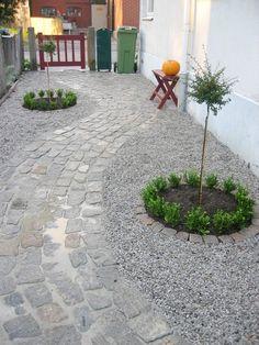 too much rock for M Garden Paving, Terrace Garden, Garden Paths, Lawn And Garden, Garden Fountains, Yard Design, Yard Landscaping, Dream Garden, Garden Inspiration