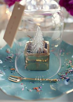(via Pin by Debbie Orcutt on Cloche & Apothecary | Pinterest)