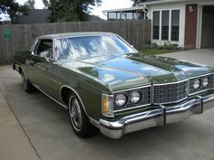 1973 Ford LTD hardtop with 429 engine in perfect shape & color