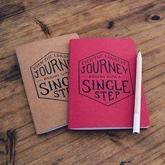Hasta el viaje más largo y más soñado comienza con un primer paso. Es hora de arrancar  EVEN THE LONGEST JOURNEY BEGINS WITH A SINGLE STEP  Empezá tu camino  VincentCousteau.com.ar (link en perfil) #journey#single#step#simple#paso#primer#viaje#soñar#andar#planificar#color#write#draw#sketch#wanderlust#monday#thoughts#moodoftheday#lettering#vintage#type#design#art#start#today